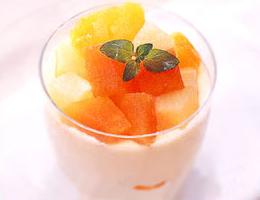マスカルポーネのフルーツパフェ